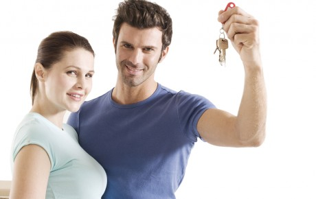 bigstock-couple-with-the-keys-of-the-ne-11485226